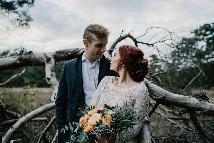 Boho-Brautpaar auf der Düne