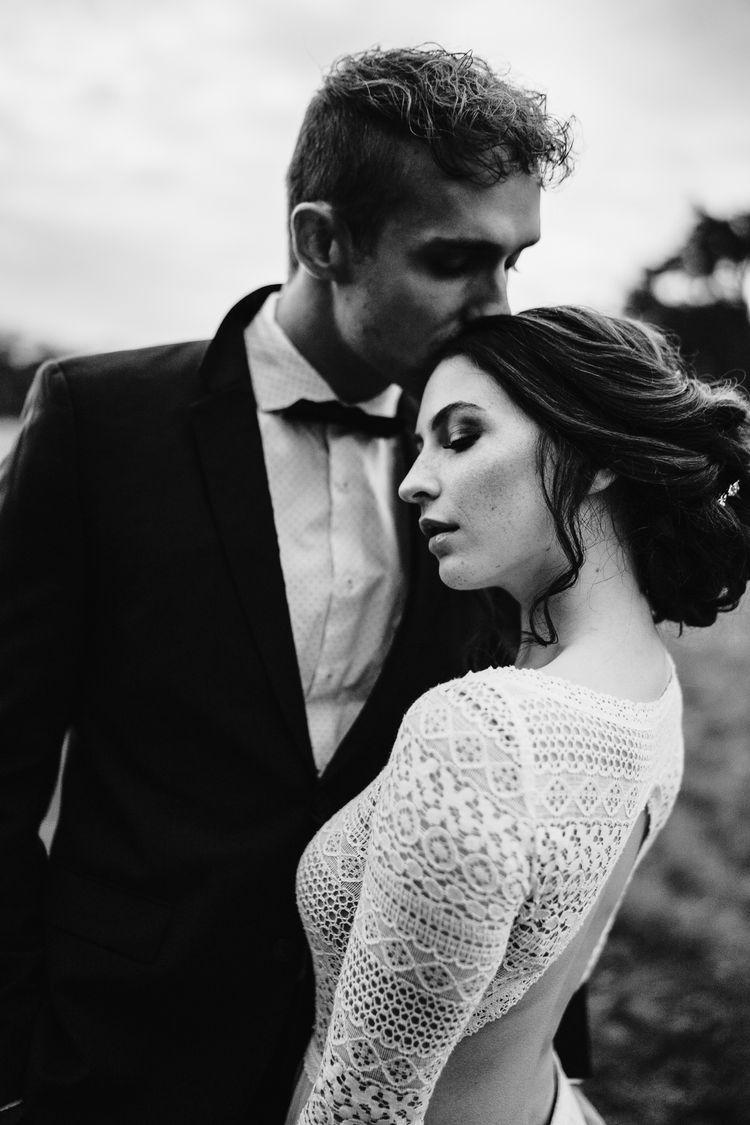 Boho Brautpaar schwarz weiß