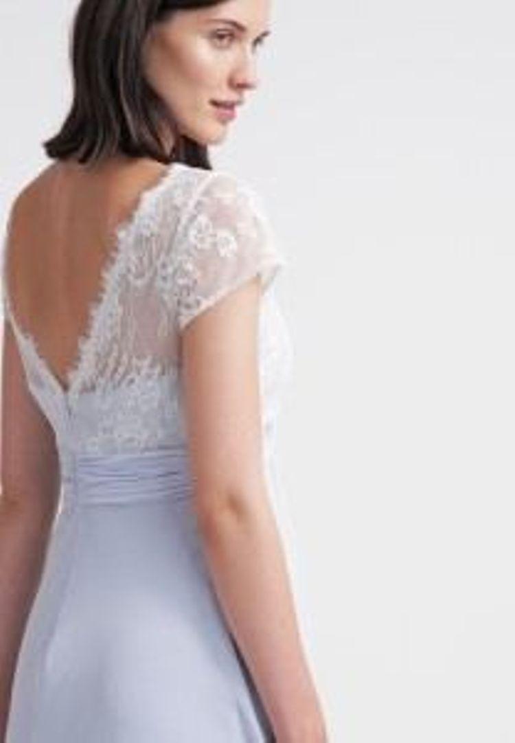 Brautjungfernkleider In Pastell Farben Die Schonsten Pastell Kleider Online