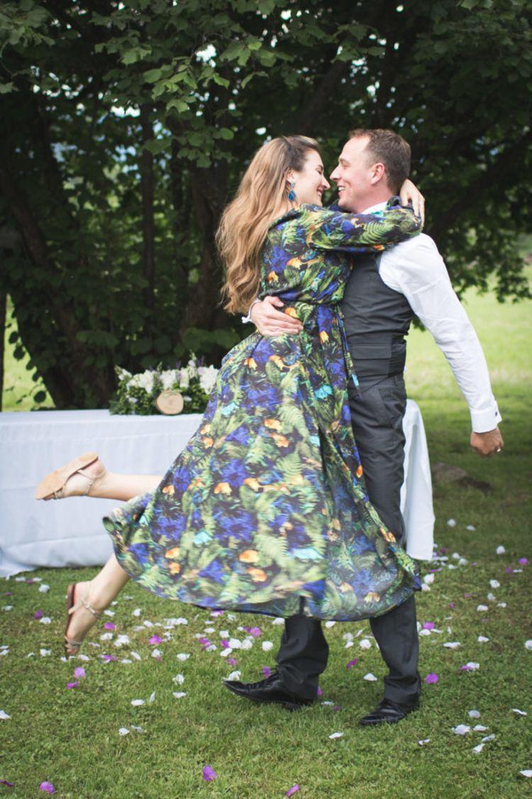 Hochzeitsspiele mit Tanz