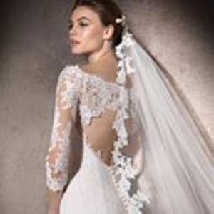 Hollywood Bride Braut- und Bräutigammode